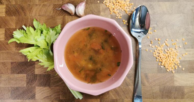 Zupa z pomidorami, soczewicą czerwoną i koperkiem